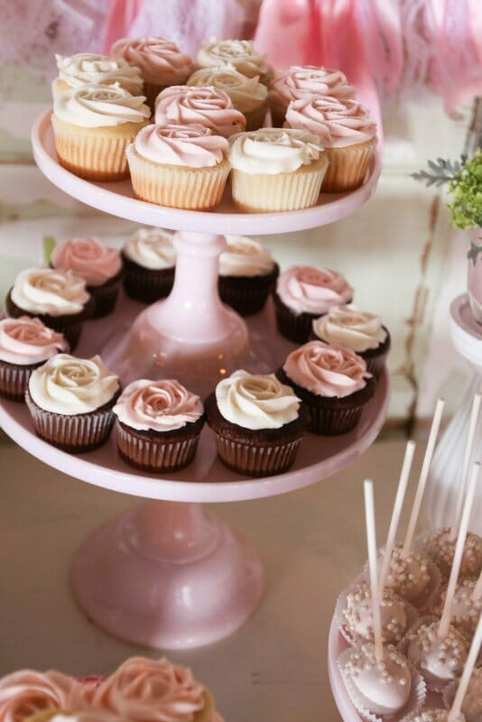 Sweetheart Pink Dessert Table | pink desserts | dessert table ideas | pink sweet treats | how to set up a dessert table || JennyCookies.com #desserttable #pinkdesserts #pinksweets