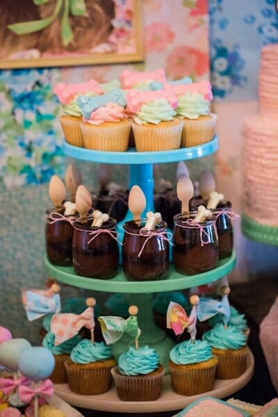 Vintage Puppy Party   puppy themed parties   party dessert table ideas   girl birthday party ideas   kids birthday parties   diy birthday party ideas   diy dessert tables    JennyCookies.com #puppypartyideas #kidsbirthday #desserttables   Jenny Cookies