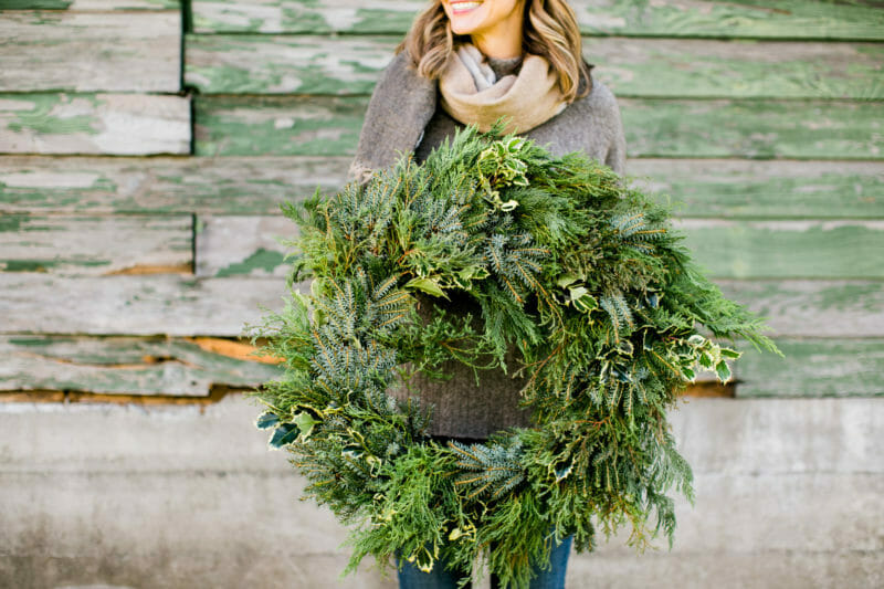 How to Host a Wreath Making Ladies Lunch   wreath making party   diy wreath party   holiday party ideas   Christmas party ideas   ladies lunch parties   holiday get together ideas   how to host a holiday party    JennyCookies.com #holidayparty #wreathmaking #ladieslunch #partyideas
