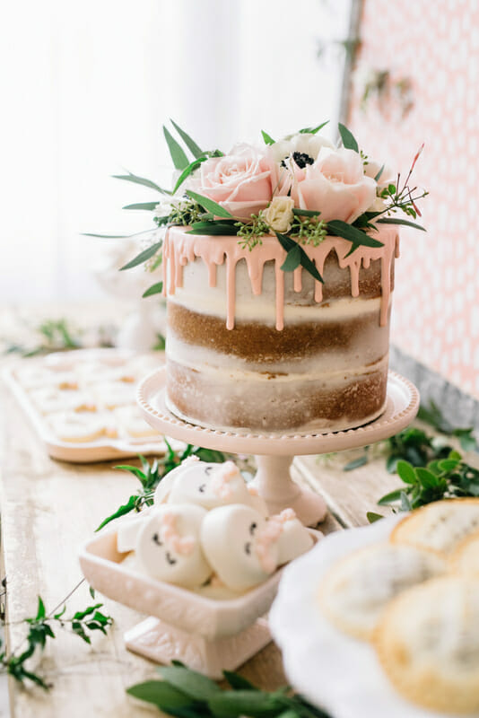 Swans and Sweets and Spa Treat | how to host a spa party | teenage birthday party ideas | birthday party ideas for girls | party ideas for teen girls | spa themed party ideas | hosting a spa themed party | entertaining tips and tricks || JennyCookies.com #spaparty #birthdayparty #teenpartyideas #summerparty #partyideas #jennycookies