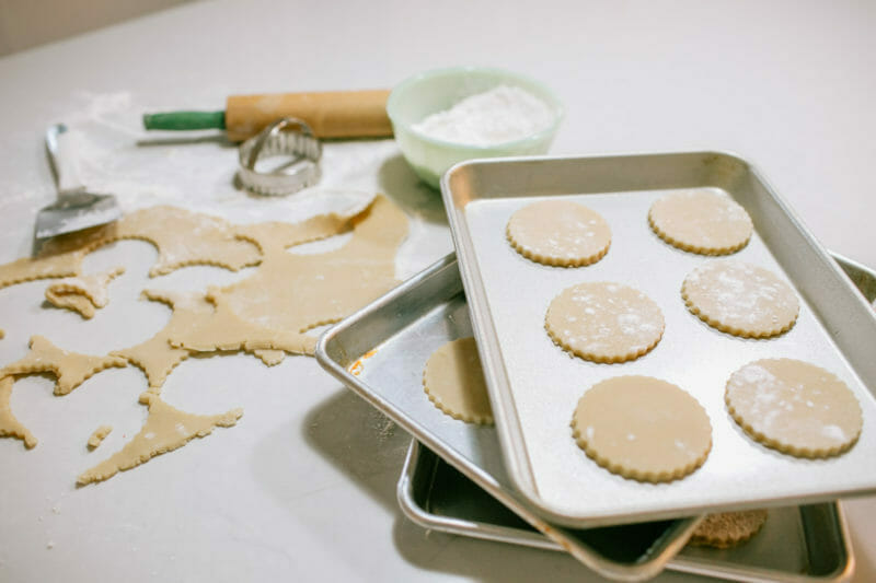 Best Sugar Cookies Ever. The Jenny Cookies Recipe | best sugar cookie recipe | buttercream frosting recipe | how to make sugar cookies | how to make buttercream frosting | easy cookie recipes | famous sugar cookie recipes | how to decorate sugar cookies || JennyCookies.com
