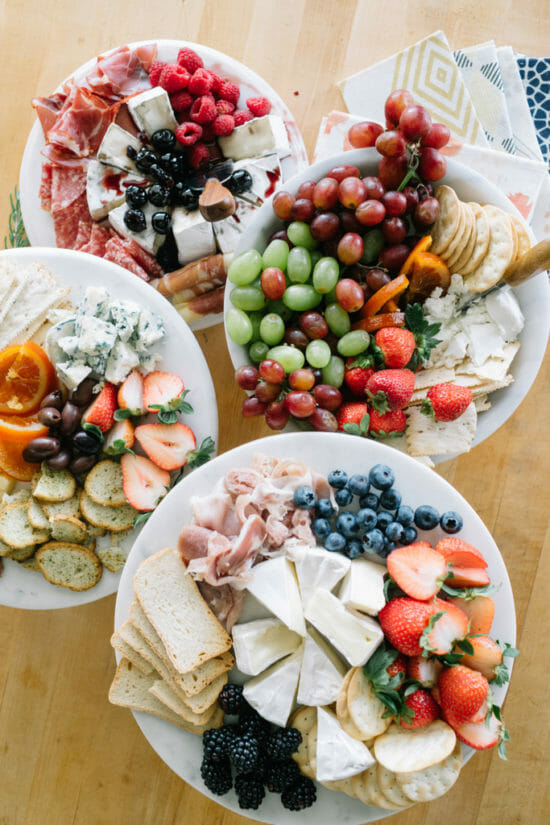 How to Host a Pie Making Ladies Lunch | ladies lunch ideas | pie making party | parties for women | ladies night ideas | holiday themed party ideas | holiday party ideas || JennyCookies.com #ladieslunch #holidayparty #pies #piemakingparty #partyideas #jennycookies