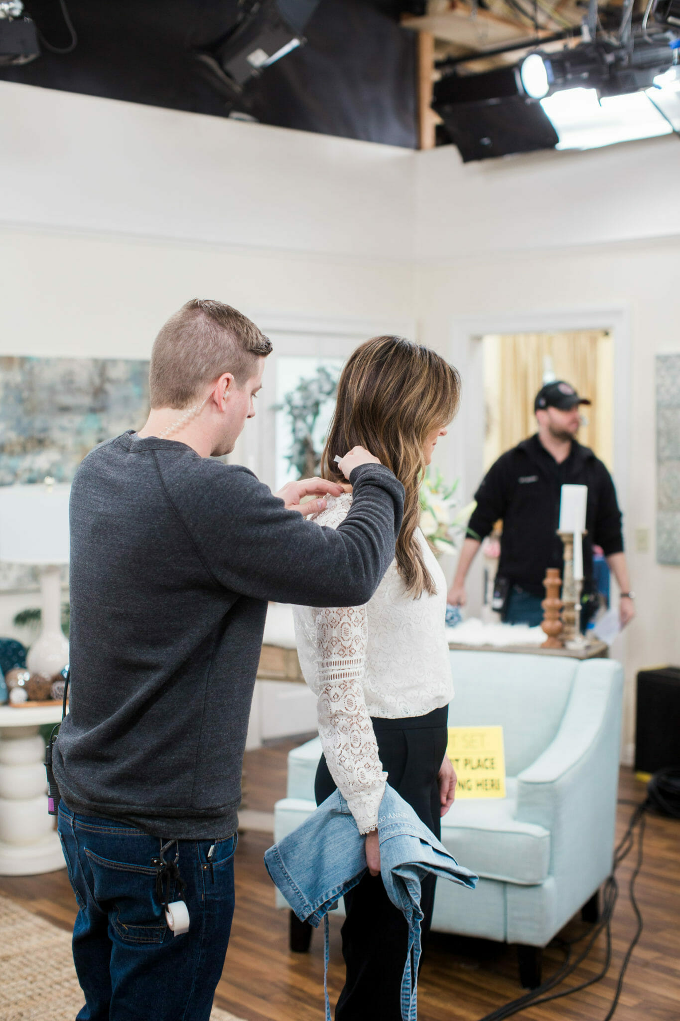 Behind the Scenes at Hallmark Home and Family || JennyCookies.com #hallmark #behindthescenes #jennycookies