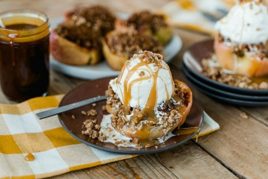 The Most Delicious Baked Apple Crisp